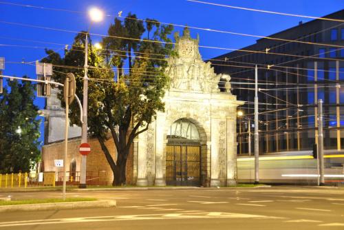 Brama Portowa #NocneZdjęcia #Odra #Szczecin #SzczecinNocą #WałyChrobrego #WschódSłońca