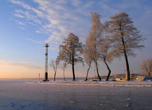 Kanał zimą. #zima #lód #mróz #jezioro #Mazury
