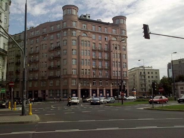 Warszawa Plac Uni Lubelskiej #architektura #budynek #miasto #warszawa