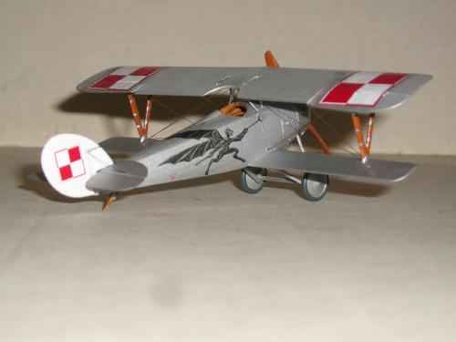 Nieuport Ni-24 pilot Lt.A.Jurkiewicz Poland 1919 - Roden 1/72 25d5dd3020debc88med