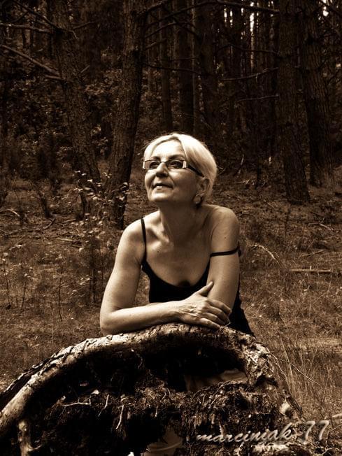 W sercu Kampinosu... na skraju lata i jesieni.... #portret #kobieta