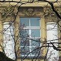 Zerknięcie w okienko #Warszawa #ŁazienkiKrólewskie #park