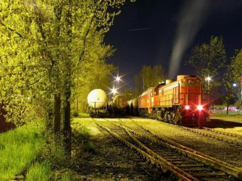 Warszawa Okęcie | Bocznica Petrolot-u. TEM2-076 z Gagarinem M62-1703 oczekują na rozładunek wagonów. #TEM2 #Tamara #Orlen #koltrans #M62 #towarowy #okęcie #petrolot #bocznica #kolej