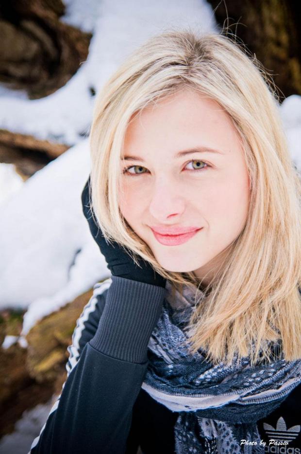 Po ponad miesięcznej przerwie - Ewelina #kobieta #dziewczyna #portrety #oława #las #zima #airking #passiv #nikon