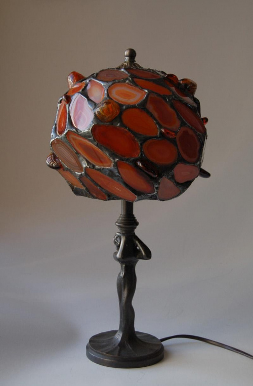 Lampa witrażowa z agatów. Kula 16 cm.