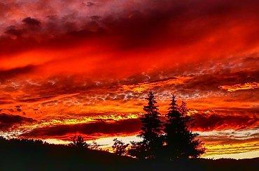 krwawy zachód słońca w Kovaczovej całkowicie nas zaskoczył :) #ZachodySłońca #niebo #krajobraz