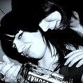 Luksusowa xD tylko ten włos przechodzący przez nos psuje mi efekt :( #wódka #luksusowa #butelka #ludzie #kobiety