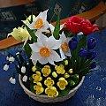 Wiosenny ogródek #bibuła #dekoracje #hobby #KompozycjeKwiatowe #krepina #KwiatyZBibuły #MojePrace #pomysły #RobótkiRęczne