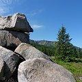 Widok na Śnieżne Kotły zza skał Paciorków #góry #Karkonosze #rezerwat #ŚnieżneKotły